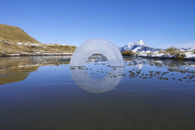 Escultura de gel de Martin Hill i Philippa Jones, artistes britànics afincats a Nova Zelanda que participaran a ALA'2015